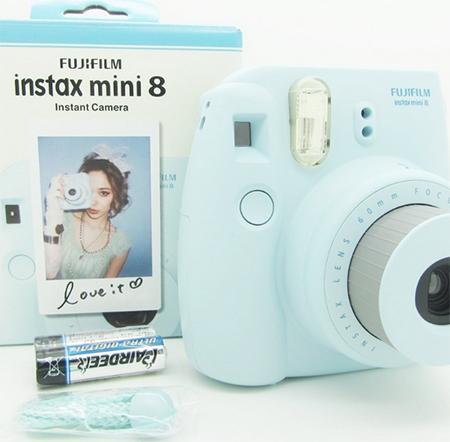 Фотоаппарат, моментально печатающий фото