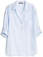 Голубая блуза