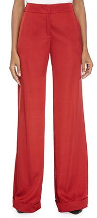 Широкие брюки с расклешенными брючинами
