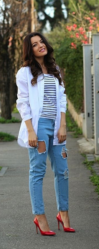 Рваные джинсы бойфренды прямого кроя