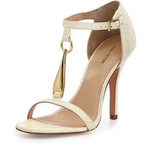 Тонкие ремешки на туфлях